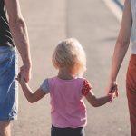 Anak Hanya Dekat dengan Salah Satu Orang Tua