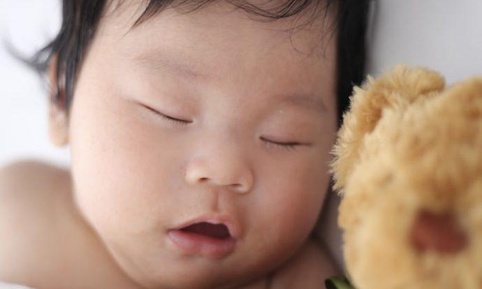 Tidur Cukup Cegah Corona
